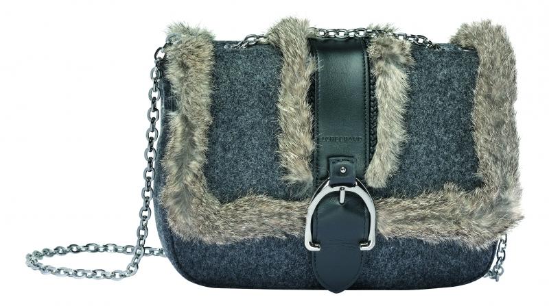 Longchamp Amazone D'hiver系列包包灰色,參考售價NT21,400。