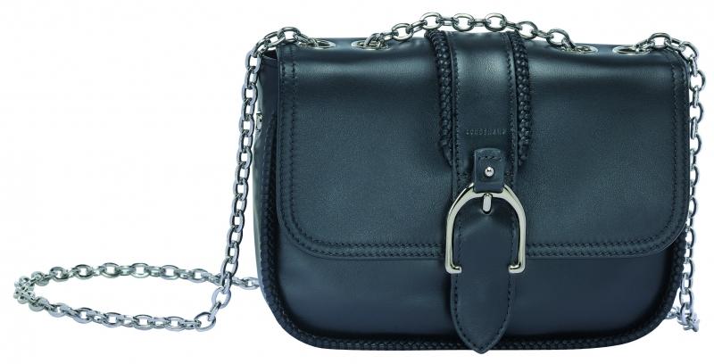 Longchamp Amazone系列小型荷蓬包黑色,參考售價NT22,200。