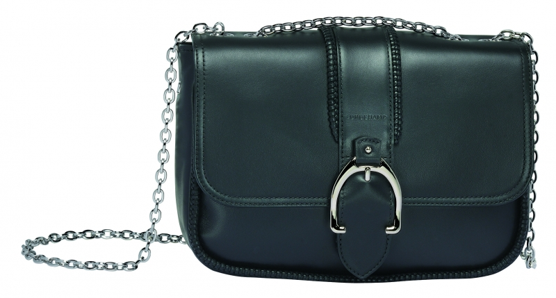 Longchamp Amazone系列荷蓬包黑色,參考售價NT26,300。