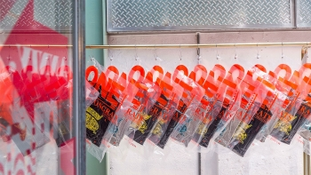 台北最美的玻璃屋選物店5歲了!限定衛衣、獨家香氛…讓人逛到手軟的初衣食午禮物清單