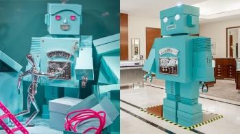 跟Tiffany & Co.一起這樣過聖誕!台北101店的煙花與機器人佈置、微風信義店的刻印服務限時推出!