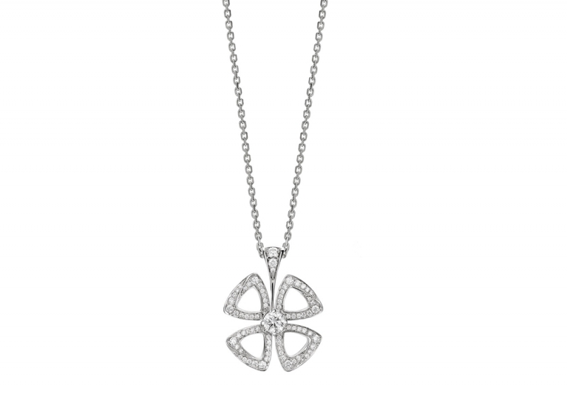 354469_BVLGARI FIOREVER 系列白K金鏤空鑽石項鍊_參考售價 約新台幣 211,300元