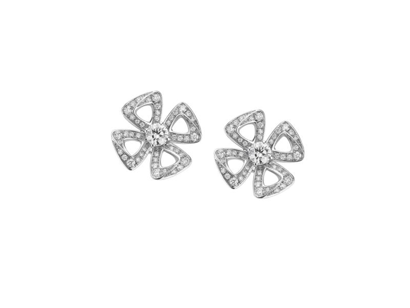 354502_BVLGARI FIOREVER 系列白K金鏤空鑽石耳環_參考售價 約新台幣 271,200元