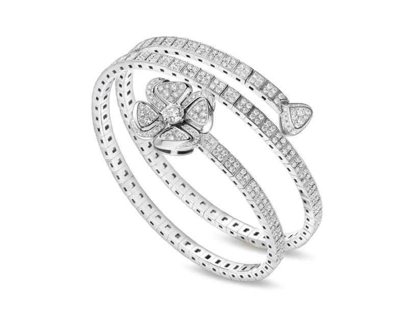 BR858205_BVLGARI FIOREVER 系列白K金鑽石手鐲_共S、M、L三款尺寸,參考售價 約新台幣 1,072,000~1,198,000元