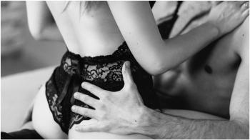 男朋友也要看~「每次愛愛都好痛!」性交前、後好疼痛,到底該怎麼辦?