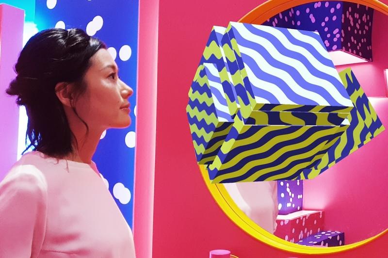 青春露KARAN限量版的波普藝術風格,讓整個空間顯得繽紛多彩