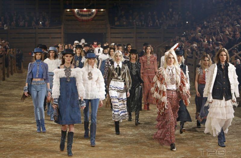 Chanel 2014年 Métiers d'art 工坊系列「Paris-Dallas」。