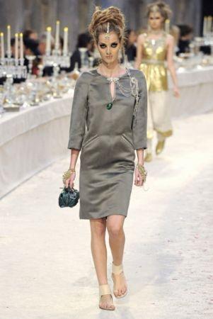 Chanel 2012年 Métiers d'art 工坊系列「Paris-Bombay」。
