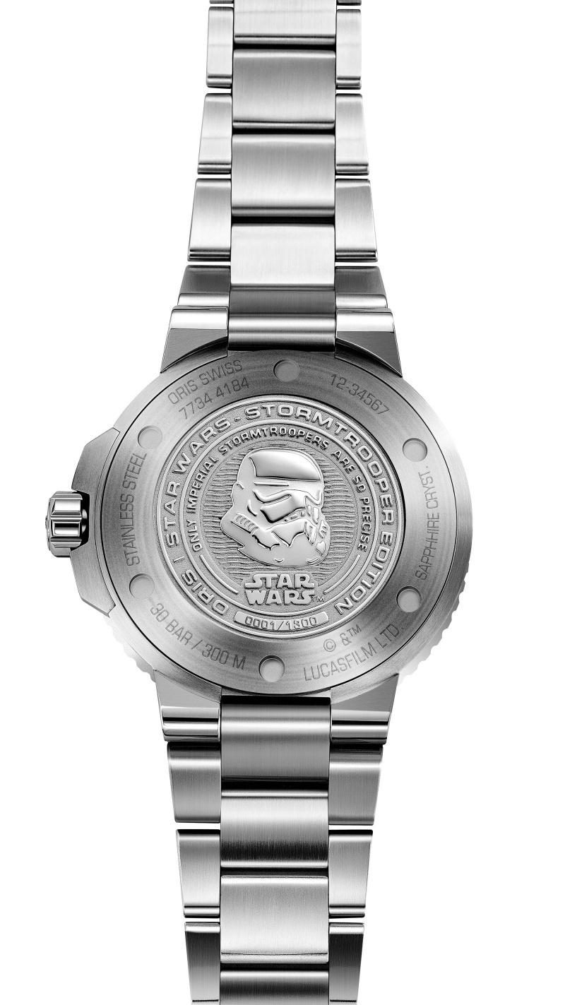 Oris Stormtrooper風暴兵星際大戰限量錶,底蓋鐫刻黑武士圖示。