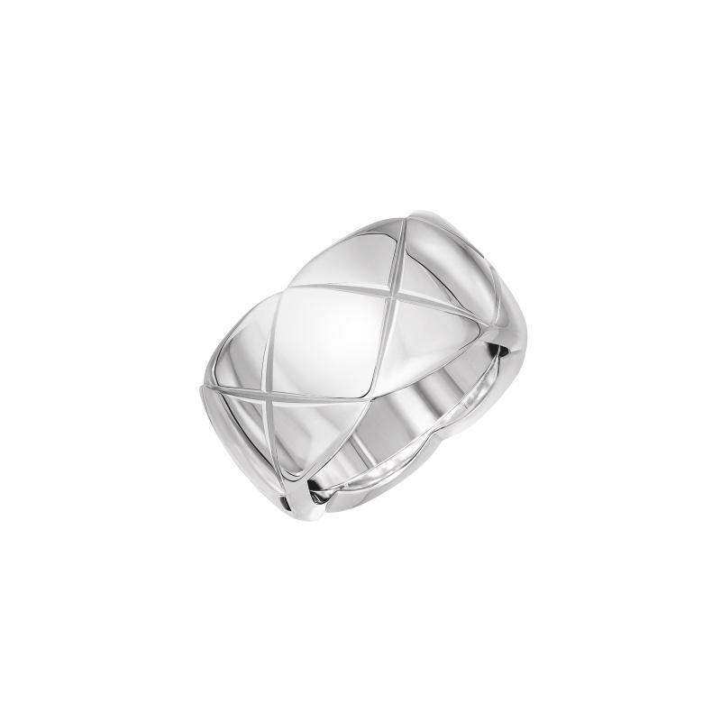 COCO CRUSH戒指_中型款:18K白金。 售價NTD108,000元