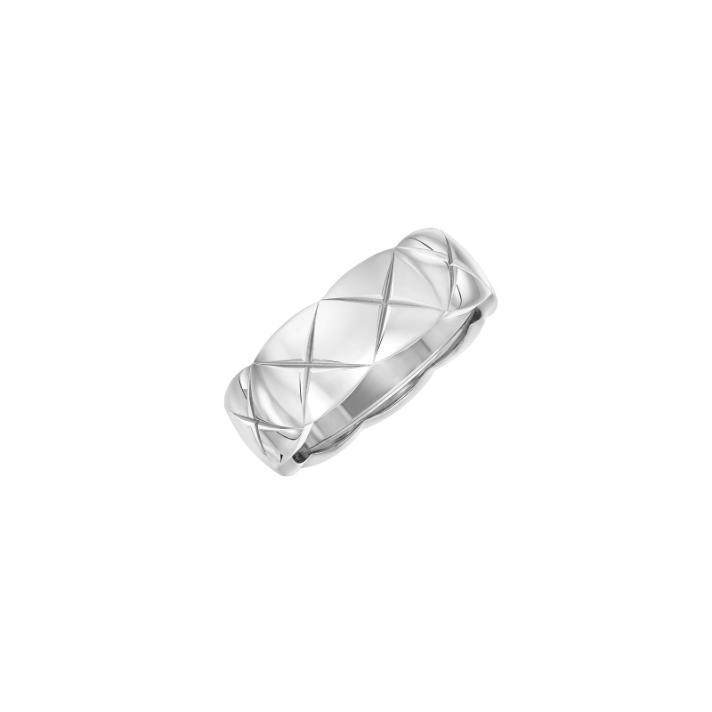 COCO CRUSH戒指_小型款:18K白金。 售價NTD80,000元