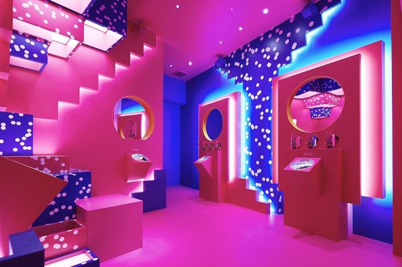 SK-II Wonderland智能東京快閃店的紫色AR體驗區