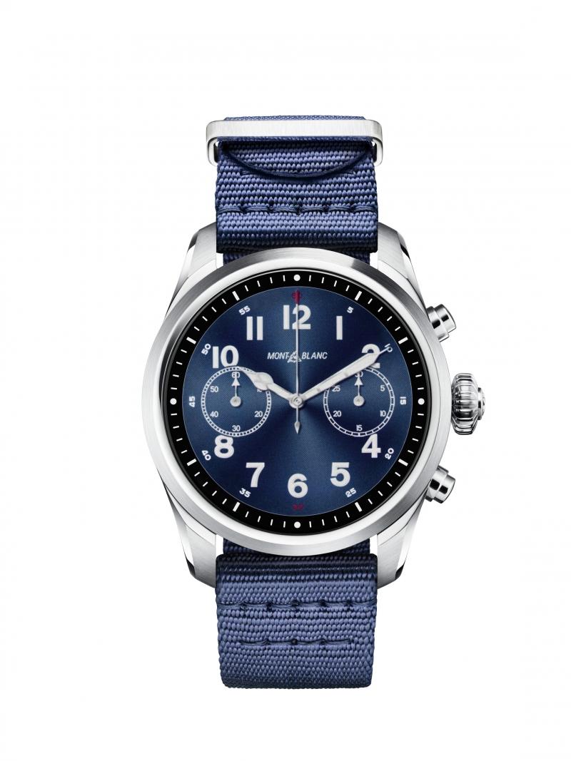 萬寶龍Summit 2智能腕錶_精鋼錶殼搭配藍色尼龍錶帶,NT33,000。