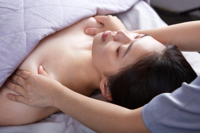 隱舍精油覺醒胸腹課程的腋下疏通