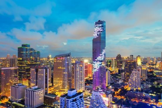 曼谷天際線新地標 挑戰懼高極限Mahanakhon Skywalk天空步道矚目登場