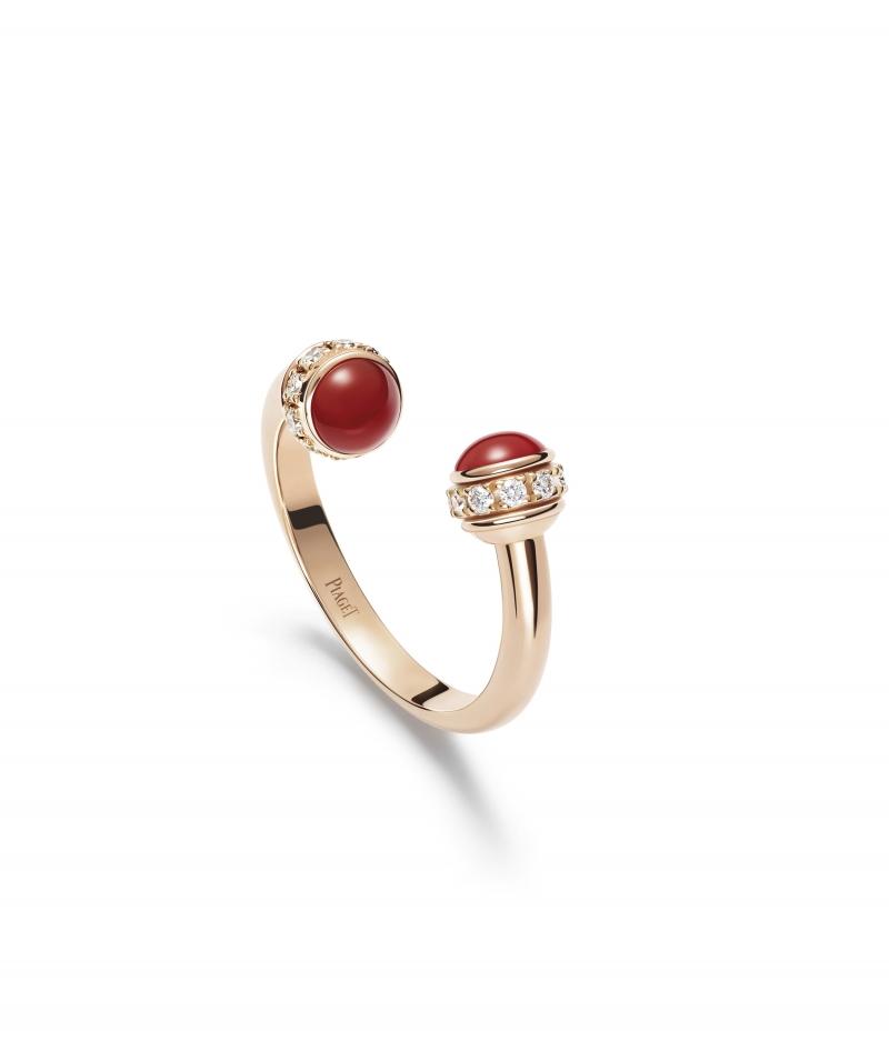 Possession指環 18K玫瑰金,開放式指環,鑲嵌2顆紅玉髓,旋轉圓環鑲有20顆明亮切割鑽石(重約0.20克拉) G34P8D00台幣參考價格87,000