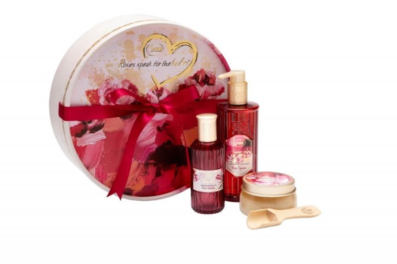SABON美膚保養禮盒(印象玫瑰沐浴油330 ml+印象玫瑰身體磨砂膏200g+印象玫瑰身體潤膚油100ml),NT2,880